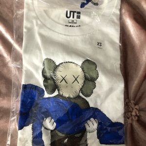 Kaws short sleeve shirt